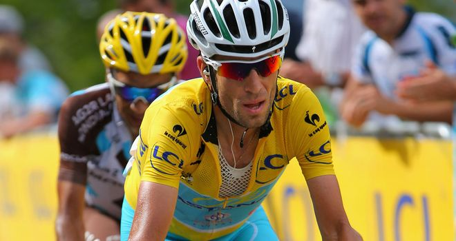 Vincenzo Nibali stretched his lead to 4min 37sec on stage 14