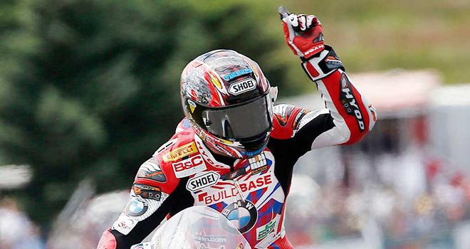 Ryuichi Kiyonari celebrates victory