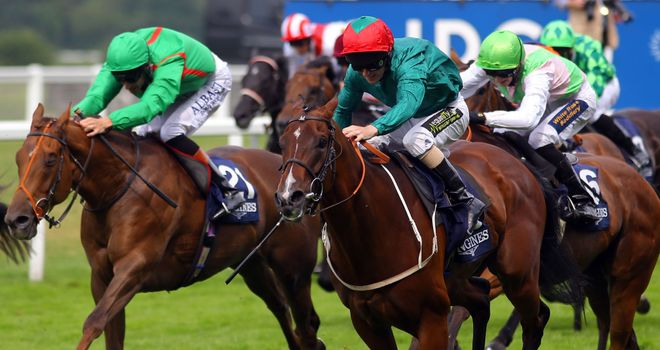 Heavy Metal wins the Longines International Stakes