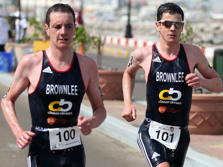 Jonny (r) and Alistair Brownlee go head to head in Glasgow on Thursday