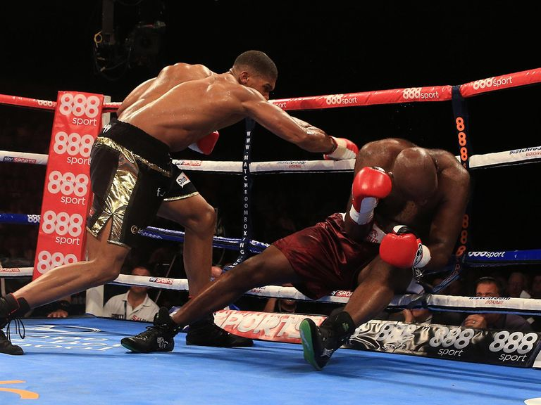 Anthony Joshua puts Matt Skelton on the canvas