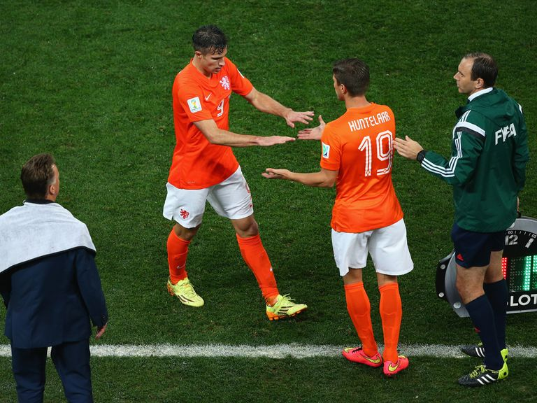 Klaas Jan Huntelaar: Could be awarded a starting role