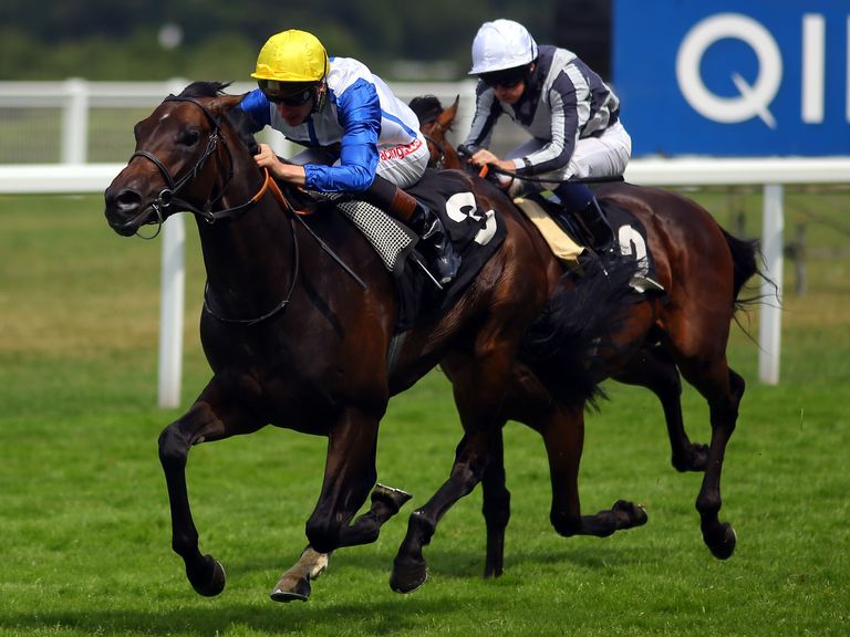 Kodi Bear wins the Titanic Belfast Winkkfield Stakes