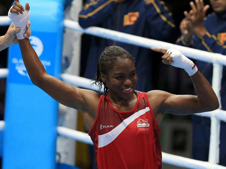 Nicola Adams celebrates her win against Sri Lanka's Erandi de Silva