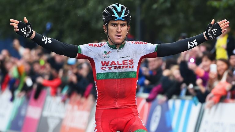 Geraint Thomas won by 1min 21sec