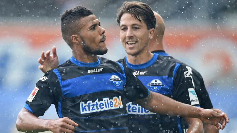 Elias Kachunga (left): Scored Paderborn's second goal at Hamburg