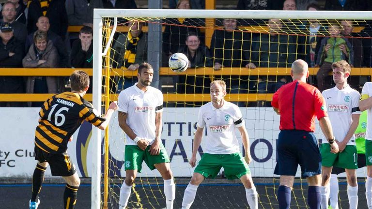 Iain Flannigan curls home free-kick for Alloa in their clash with Hibernian