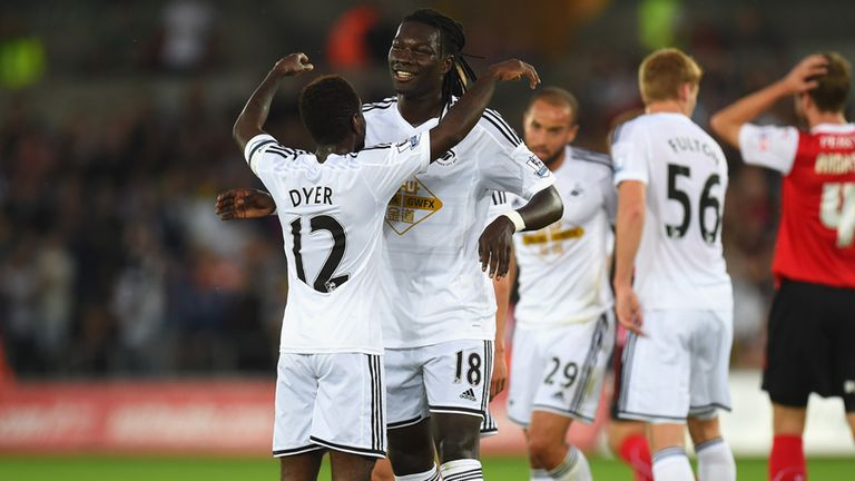 Bafetimbi Gomis: Opened his account for Swansea