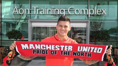 Marcos Rojo: Manchester United defender has been granted a work permit