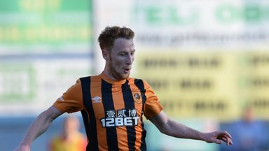 Stephen Quinn: Hull City midfielder to discuss his future