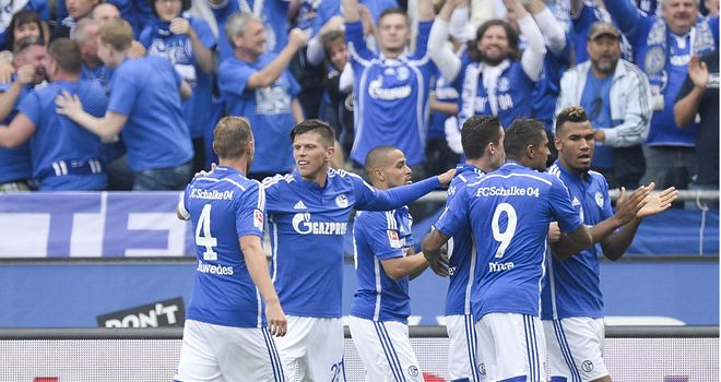 Schalke celebrate Klaas-Jan Huntelaar's opener