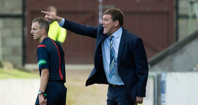 Tommy Wright: Says Steven MacLean is a real leader