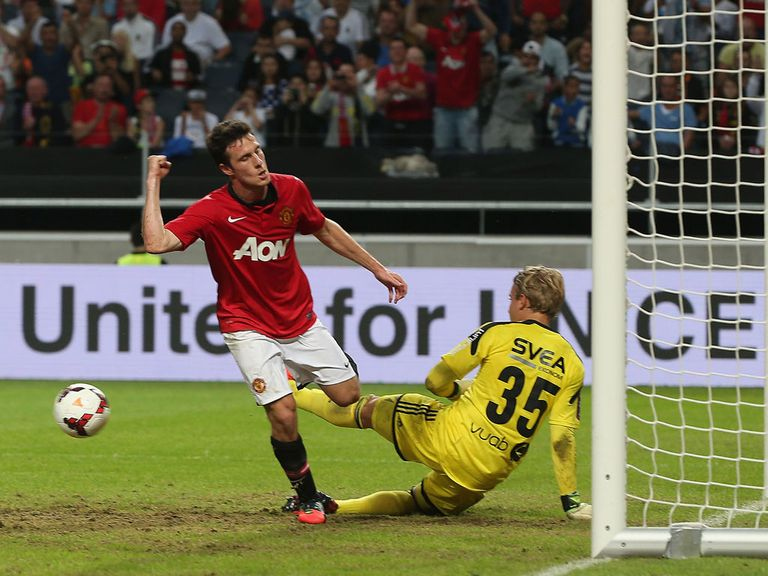 Angelo Henriquez: Loan move away from Manchester United