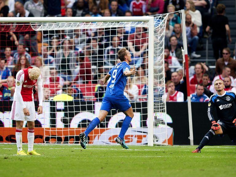 Luuk de Jong of PSV celebrates