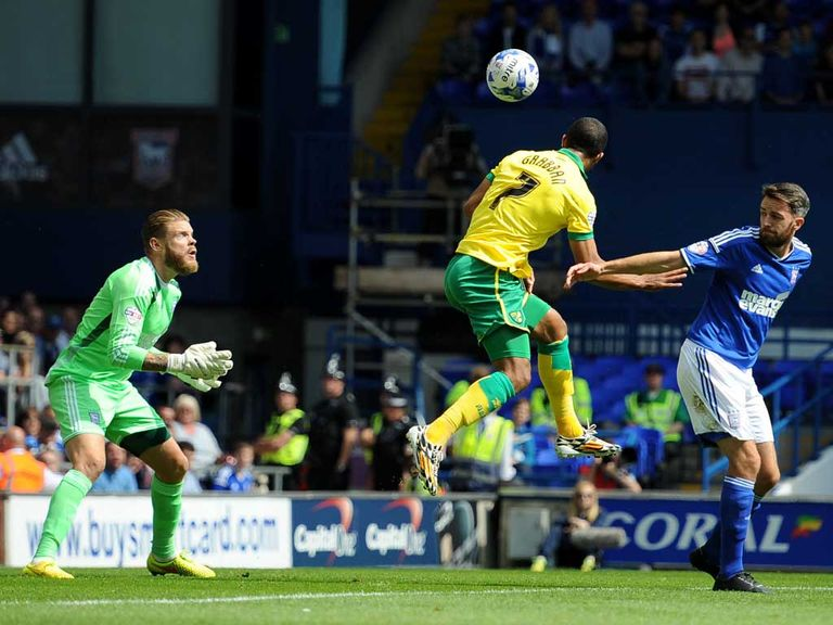 Lewis Grabban scores Norwich's winner