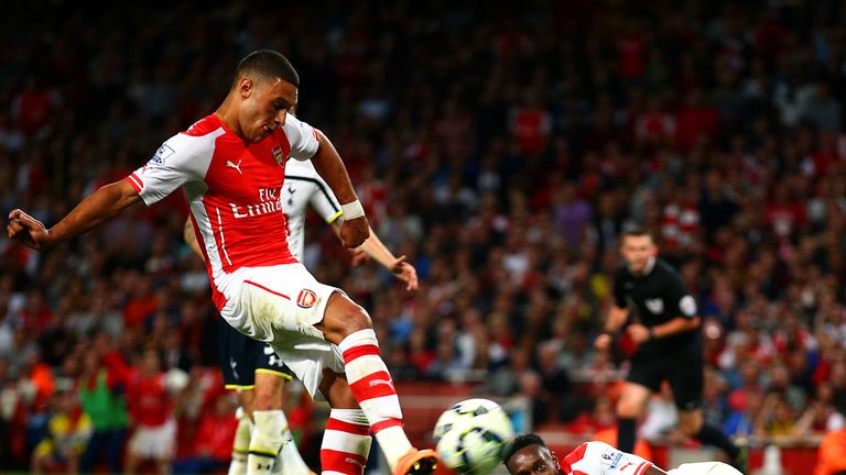 Alex Oxlade-Chamberlain: Netted equaliser for Arsenal