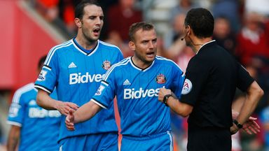 Lee Cattermole (centre): Suspended for Everton