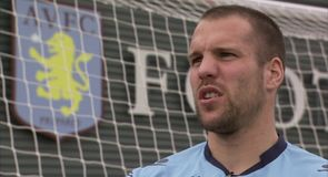 Vlaar discusses Villa form