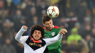 Oscar de Marcos battles with Luiz Adriano during the clash