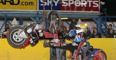 Howarth returns to Swindon