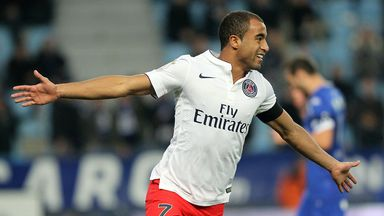 Lucas Moura has extended his deal at PSG until 2019