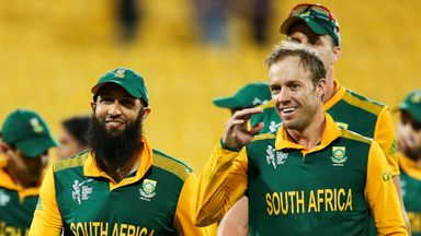 AB de Villiers (R): Says South Africa will not crack under the pressure