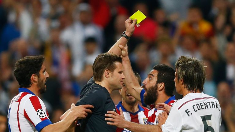 Real Madrid vs Atletico Madrid - Page 3 Turan-red-card-arda-atletico-real-madrid_3293875