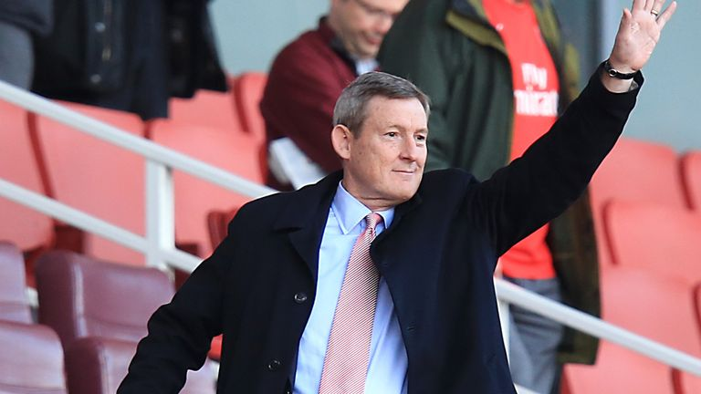 Sunderland owner Ellis Short is close to agreeing a deal to sell the club for around £100m