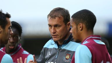 Former West Ham coach Ian Hendon is expected to return to Brisbane Road as manager