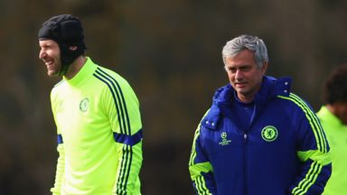 Chelsea manager Jose Mourinho (R) was keen to praise