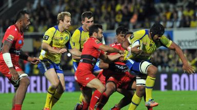 Clermont lock Sebastien Vahaamaina on the charge against Toulon