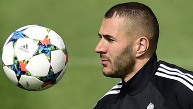 Karim Benzema: Has been linked with Manchester United.