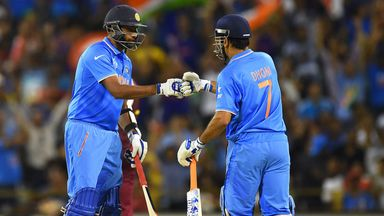 Ravichandran Ashwin (l) has defended India ODI captain Mahendra Singh Dhoni (r)