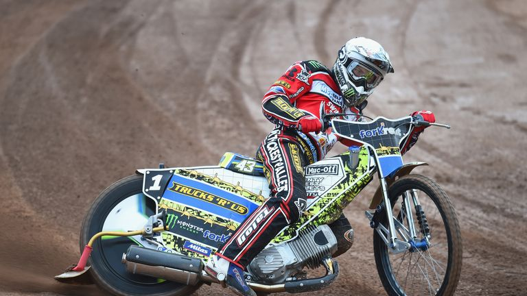 Ward in action for Swindon Robins earlier this year