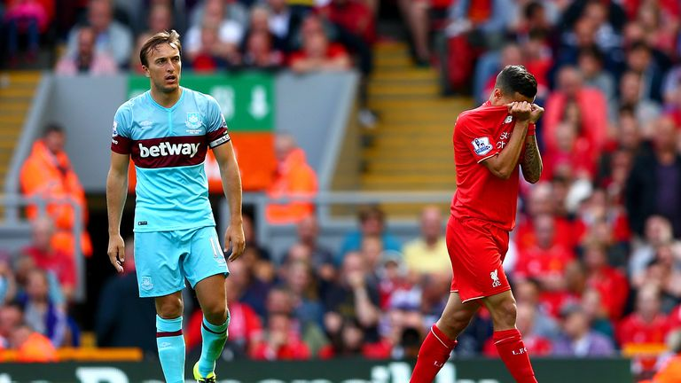 Philippe Coutinho (R) and Mark Noble were both sent off