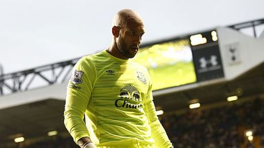 Tim Howard made a number of saves to deny Spurs