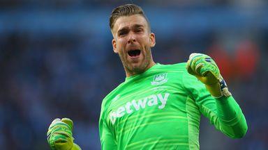Adrian sticking with West Ham United