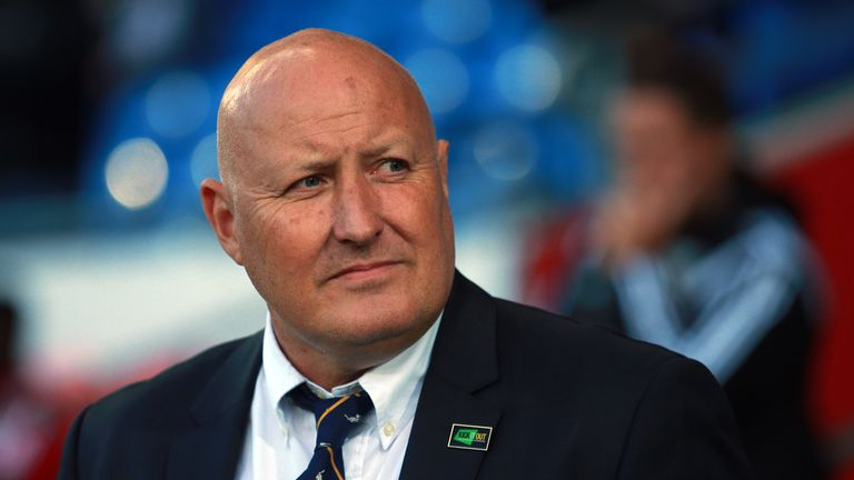 Football-russell-slade-cardiff-city_3374993
