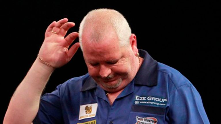 Robert Thornton has been forced out of his Newcastle match against Michael Smith