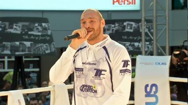 Tyson Fury breaks in to song during the public workout