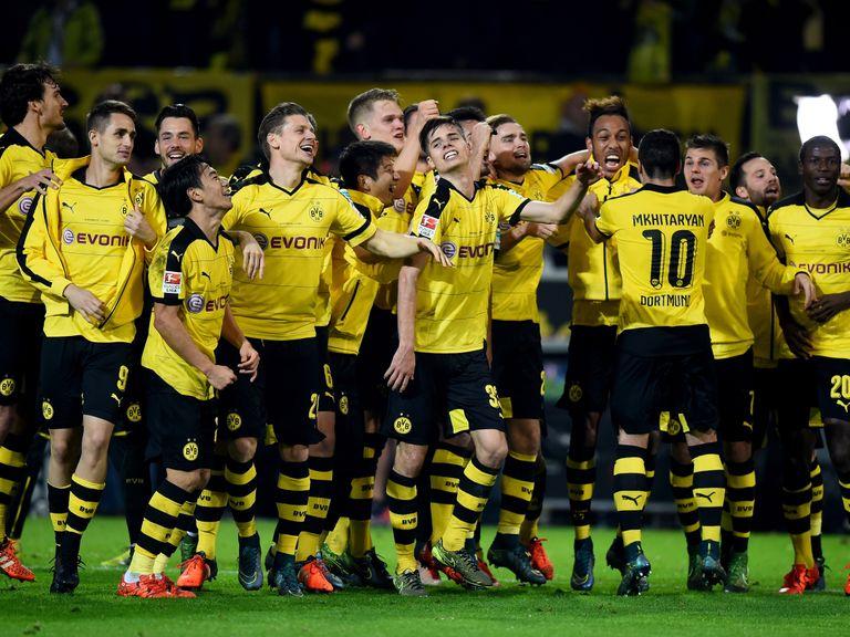 German bundesliga review bayern munich thrash stuttgart - German league fixtures results table ...