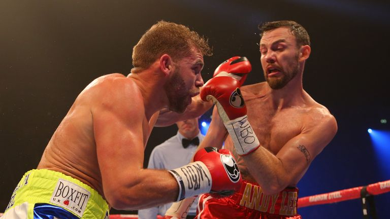 Billy Joe Saunders (L) beat Andy Lee to become world champion
