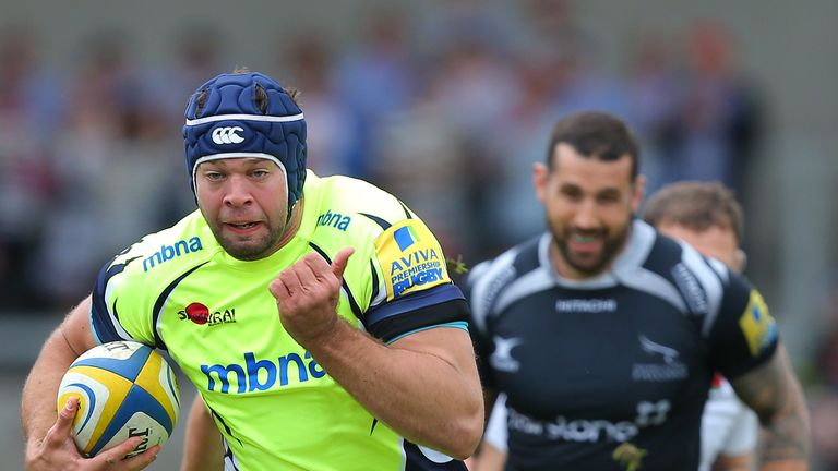 Josh Beaumont on the charge for Sale Sharks