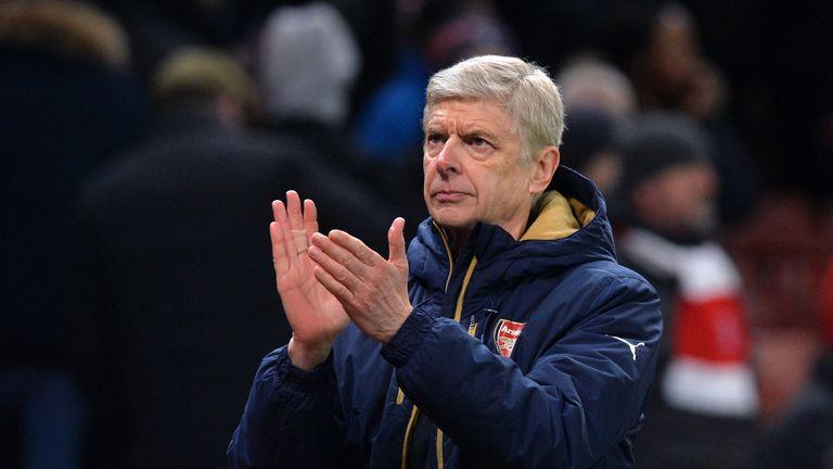 Arsenal bị Stoke City cầm chân
