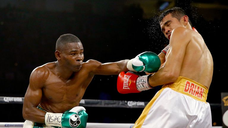 Guillermo Rigondeaux (left) is unbeaten in 16 professional bouts