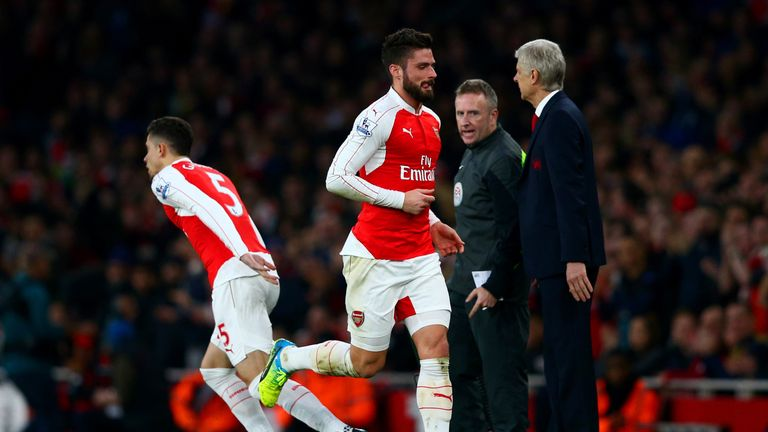Olivier Giroud was taken off on 22 minutes against Chelsea