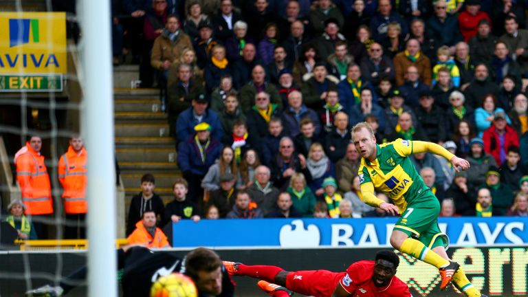 Steven Naismith scores on his Norwich debut