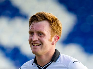 St Johnstone's Liam Craig has signed a new deal