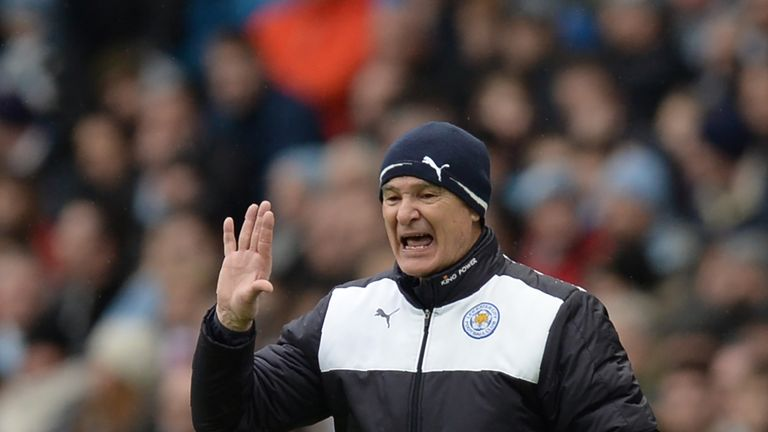 Claudio-ranieri-leicester-city-manager-shouting-on-touchline_3413778