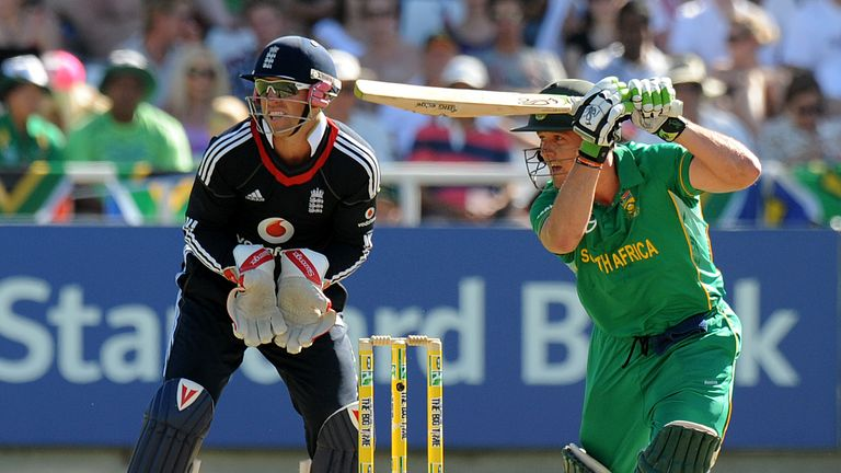 De Villiers on his way to a hundred against England at Cape Town